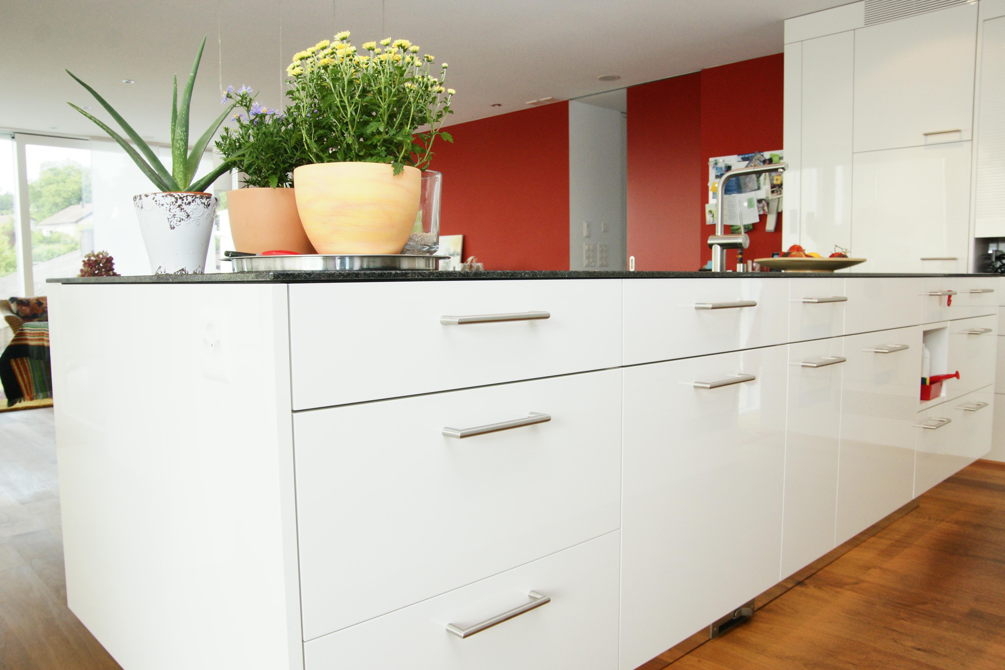 partner weiss k chen innenausbau ag. Black Bedroom Furniture Sets. Home Design Ideas
